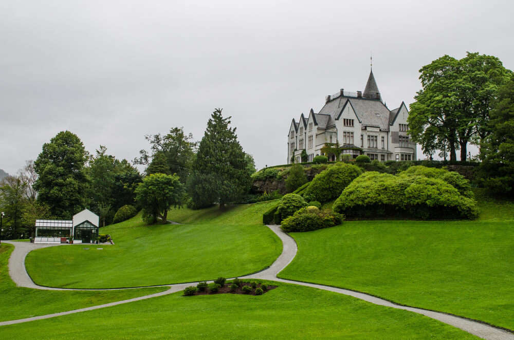 a home to the Norwegian Royal Family