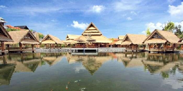 Floating Restaurant Bale Udang Mang Engking