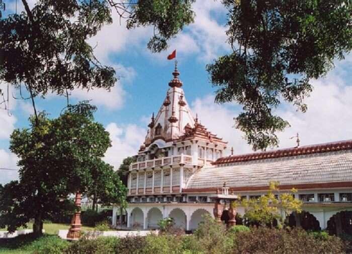dedicated to the lord krishna