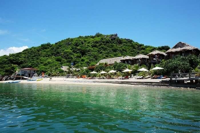 occupies a private corner of island