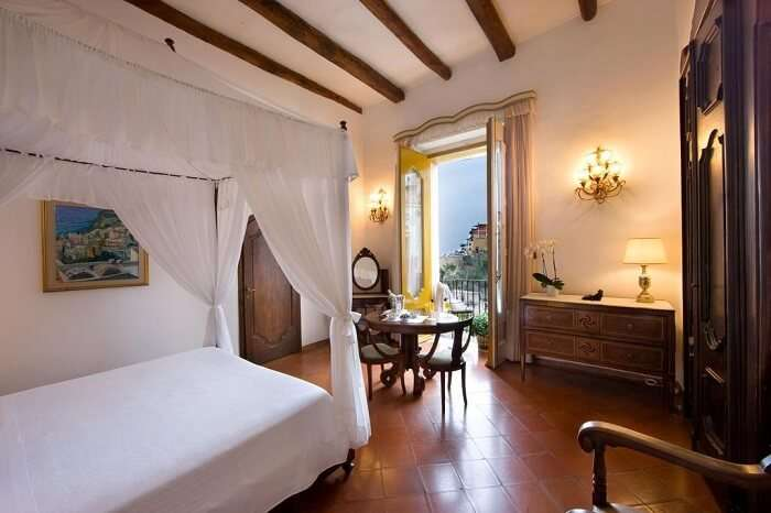 room in palazzo murat