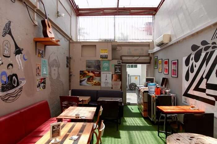 offers breakfast, free Wi-Fi Hostel
