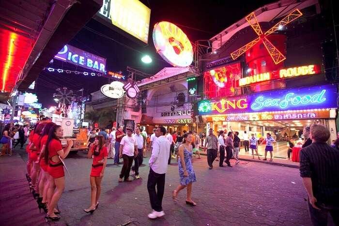 patpong market bars