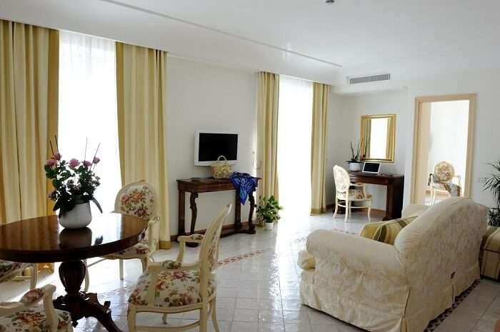 beautiful room in villa fraulo