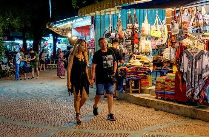 Walking Street Night Market, Krabi