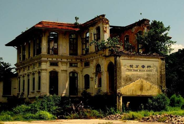 7 Most Haunted Places In Malaysia Which Are Very Spooky!