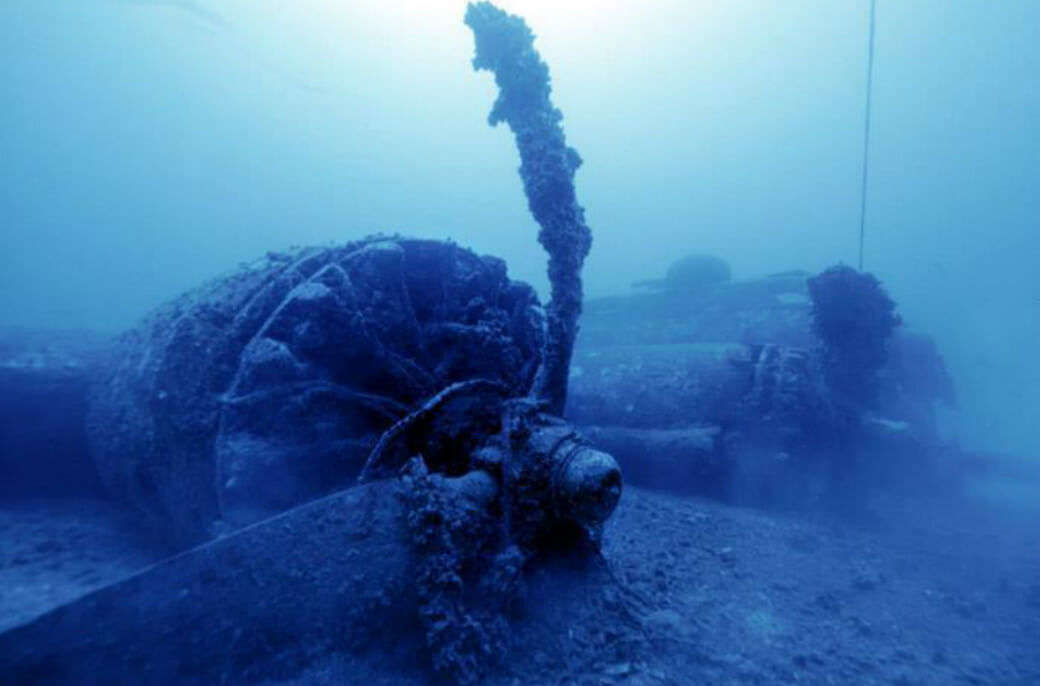 A dive to the sunken ships