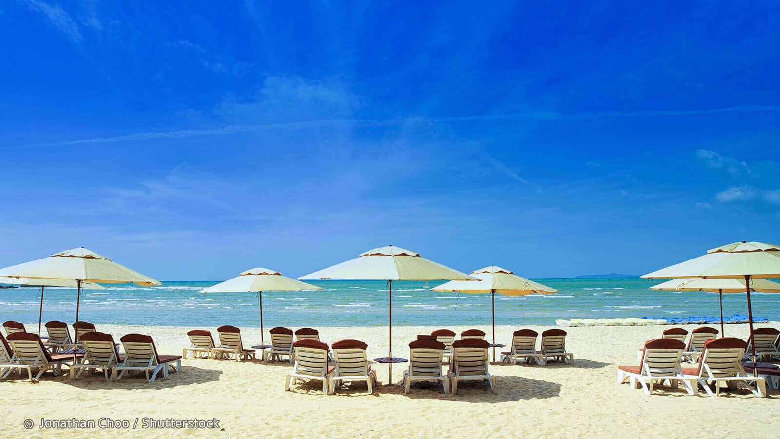 visit the beautiful beach