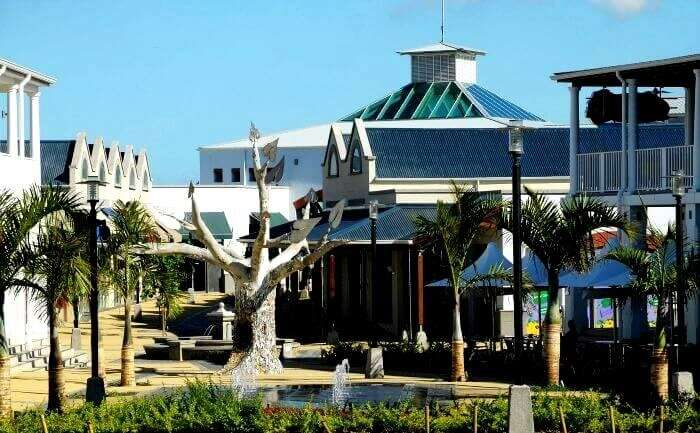 famous shopping area in mauritius