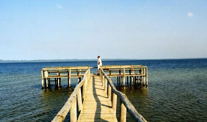 the largest freshwater lake