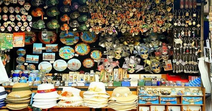 antiques souvenirs and trinkets in italy