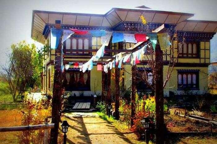 Nivvana Lodge & Homestay