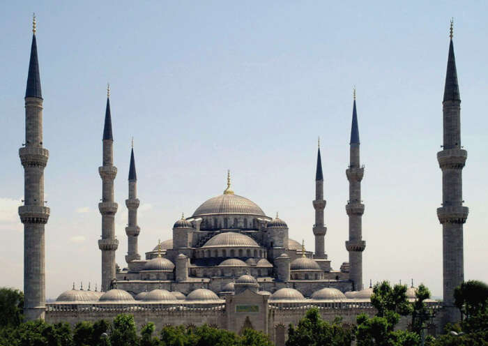 10 Mosques In Turkey That Are Much More Than Just Prayer Halls