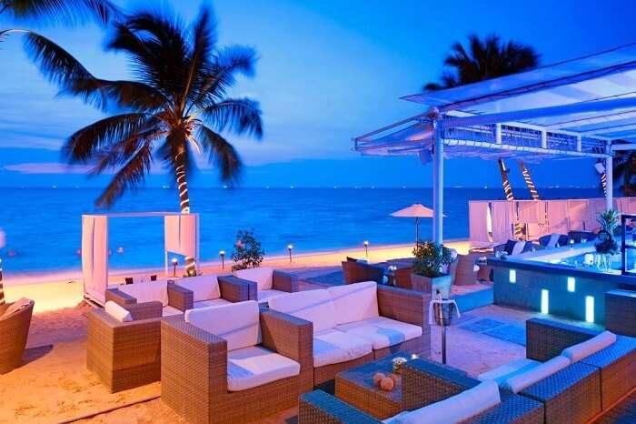 Thai Bar On The Beach