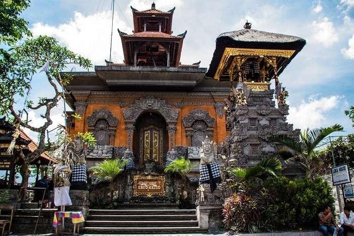 Visit the temples inside Ubud Sanctuary