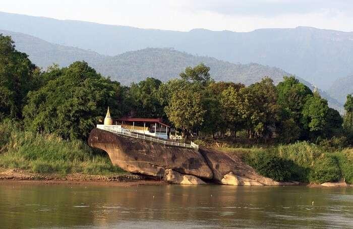 Wat A-Hong Silabas