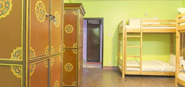 hotel Milrepa