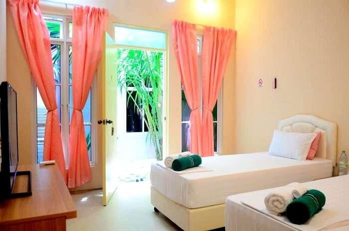 luxury guest room