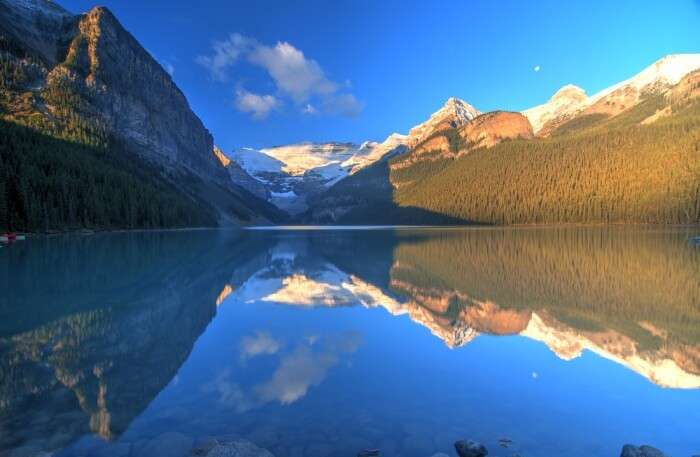 Beautiful lake and mountain