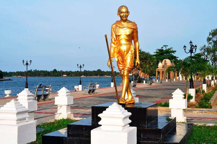 Landmark Gandhi statue in Batticaloa town