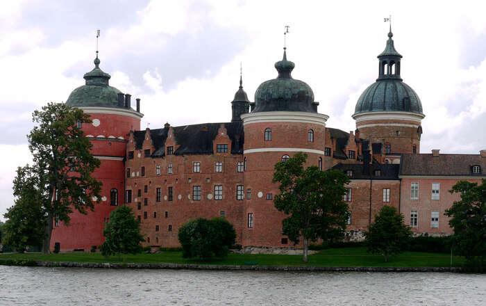 Large Palace