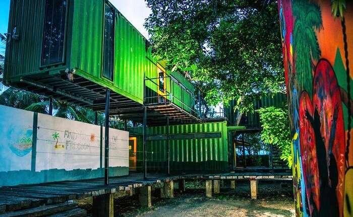 Hangover Hostel Negombo