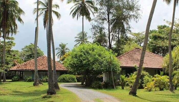 Leana Lagoon, Villa & Cottages