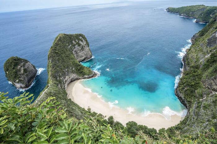 few scenic islands
