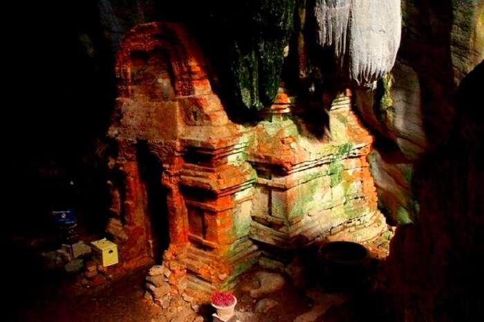 Phnom_Chhnork_temple_