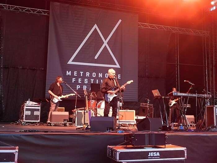 Strings of Autumn Festival
