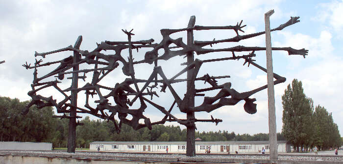 Uni Dachau Concentration Camp Memorial Site Tour on Square Holiday Market