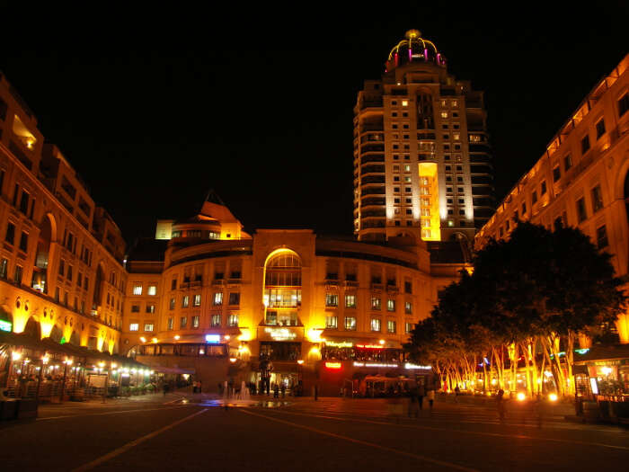 Where to stay near Nelson Mandela Square