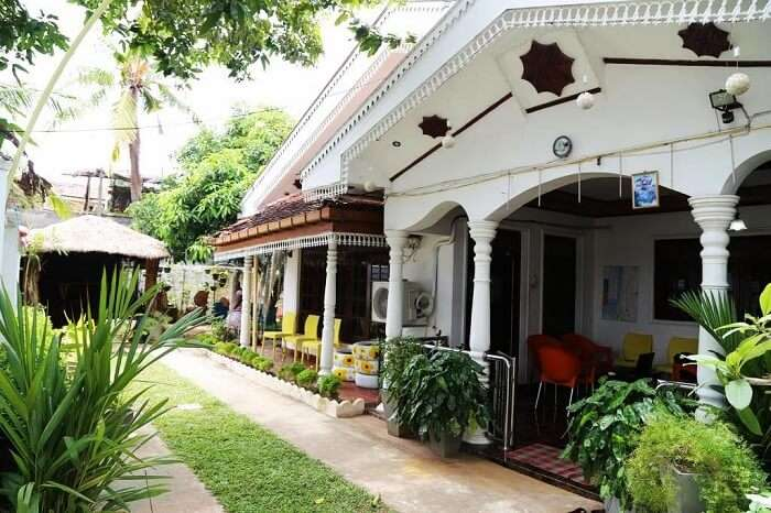 Yoho New Negombo Beach Hostel