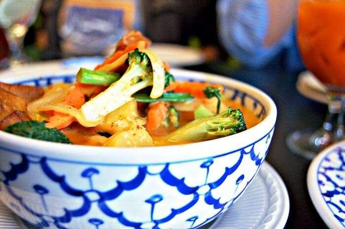 fresh Thai and seafood platter