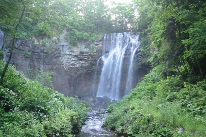 Ashiribetsu Falls