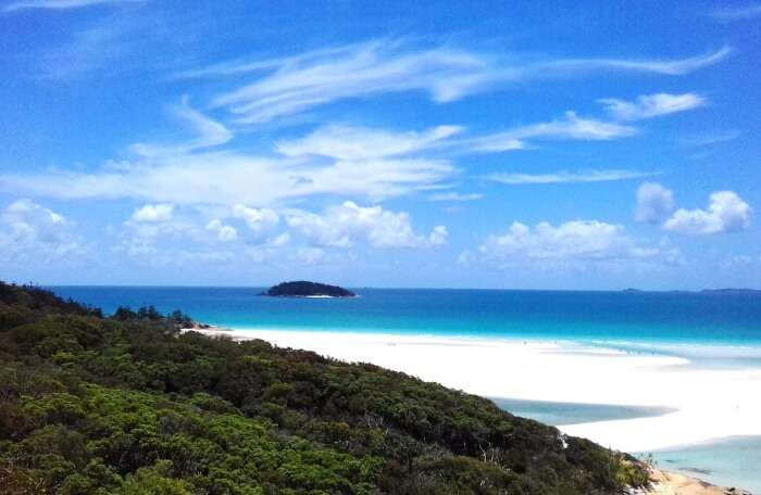 Explore And Relish The Beauty Of Amazing Whitsunday Islands