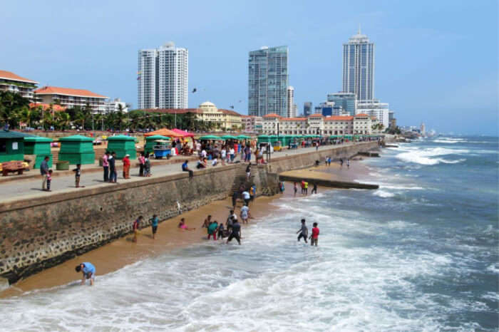 Galle Face Green beach visiting hours