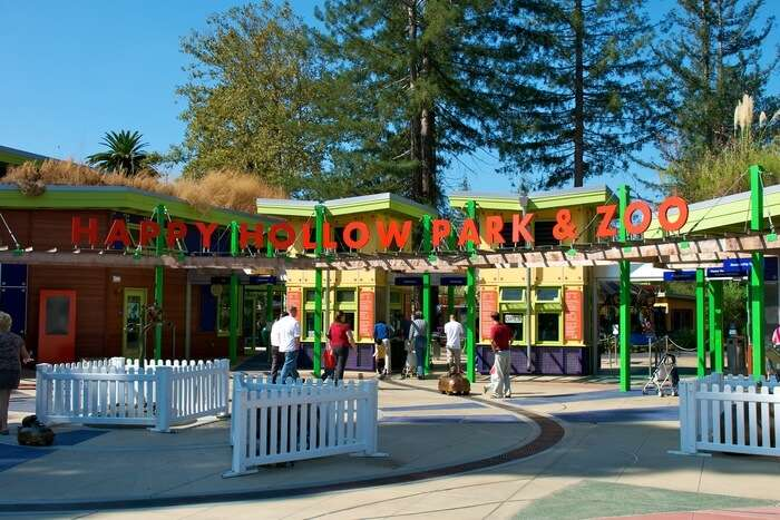 Happy Hollow Zoo Entrance