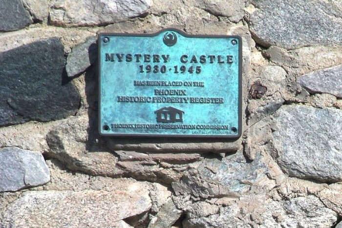 Mystery Castle logo