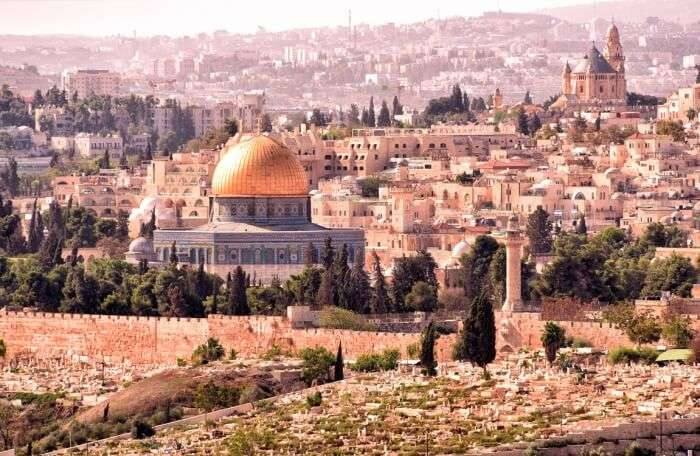 Take a tour through the city of Jerusalem