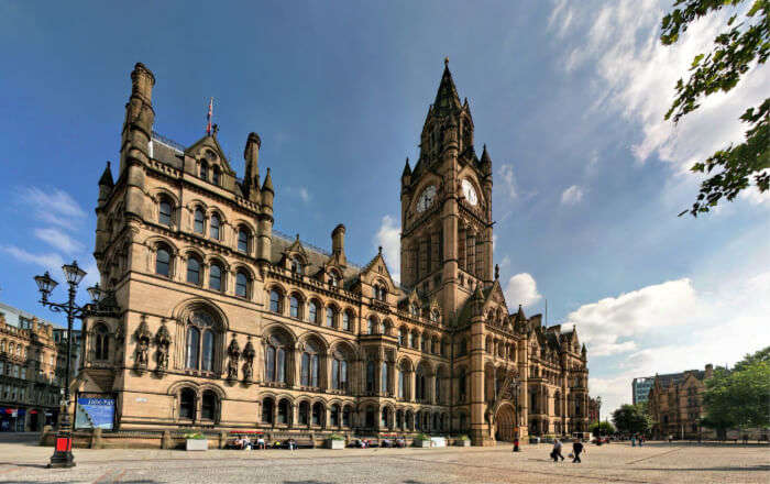 Visit-the-iconic-Manchester-Town
