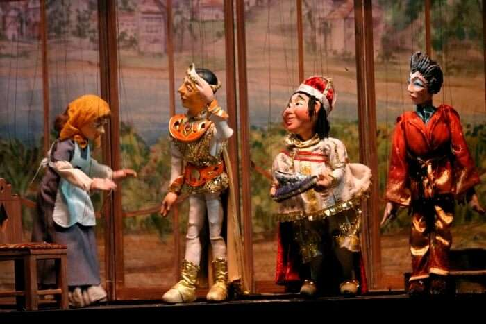 Watch the traditional Japanese Puppet Theatre