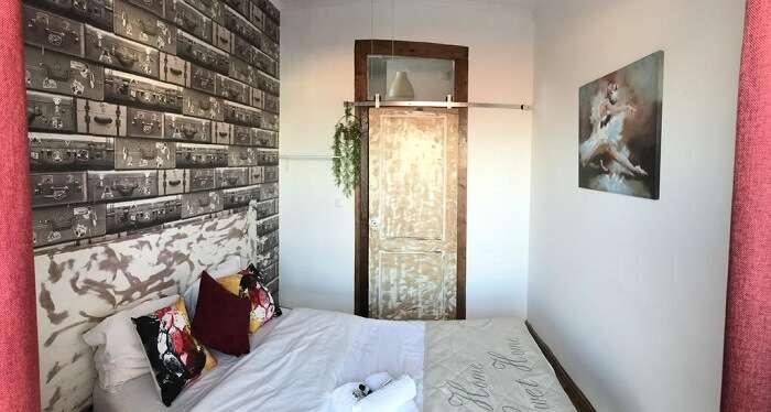 Alfama Patio hostel room