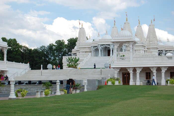 BAPS Sri Swaminarayan Temple