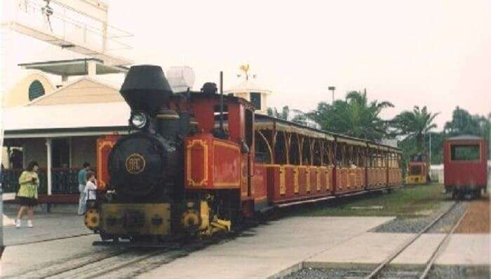 Bally Hooley TraiN