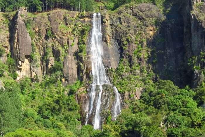 Bambarakanda Waterfalls