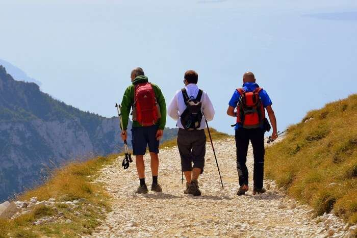 Walk Landscape Lake Excursion Trail Trekking