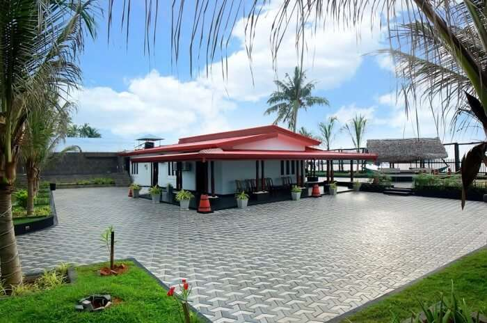 Lighthouse Beach Villa