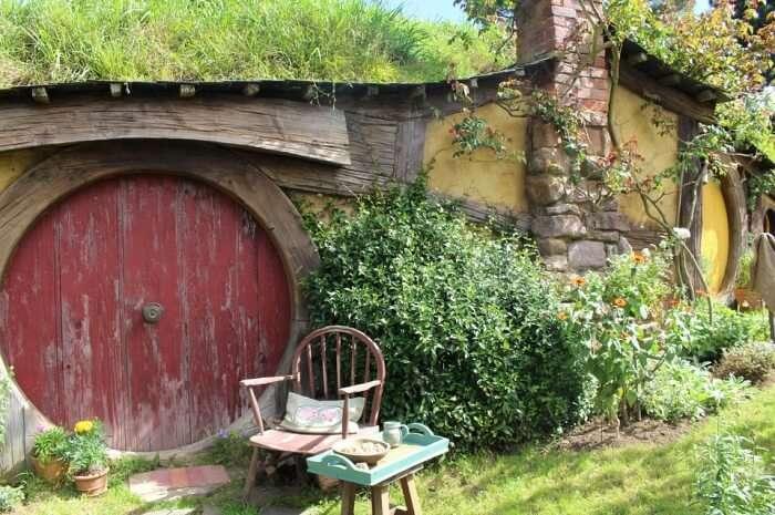 Hobbiton Movie Set New Zealand Location The Hobbit