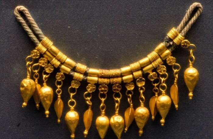 Purchase and admire the Greek Jewelry